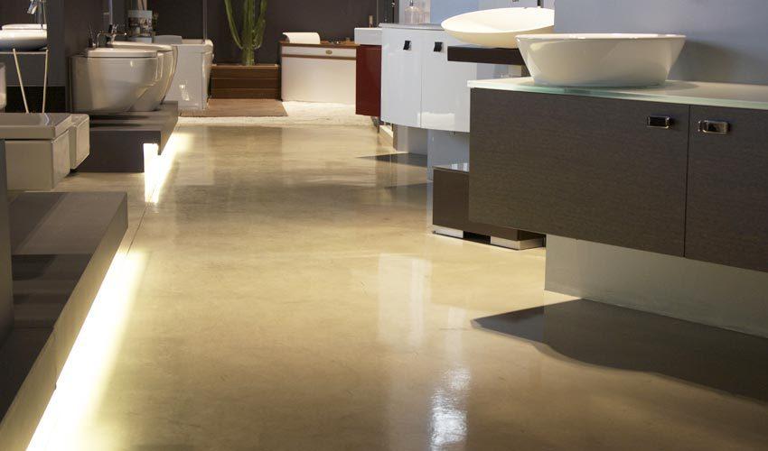 Pavimento in resina per negozio di sanitari a Milano