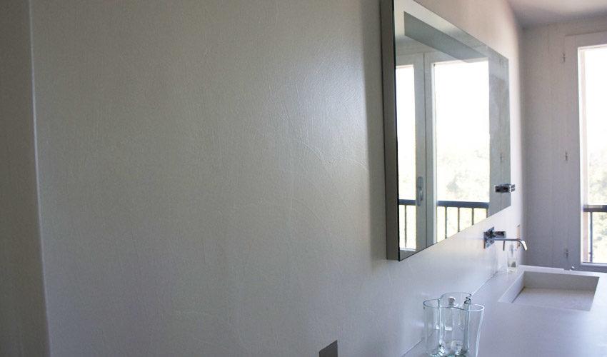 Pavimento e pareti in resina per intera casa privata a Milano