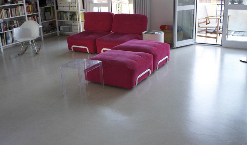 Pavimento e pareti in resina per casa a Milano