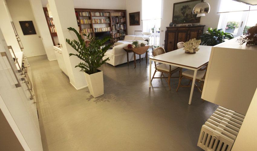 Pavimento e pareti in resina per casa privata a Milano